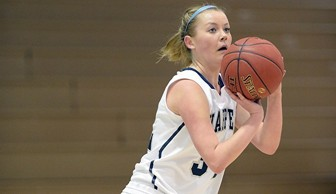 Women's Basketball: Kelli Berglund 2013-14