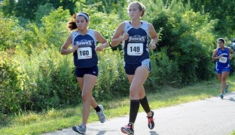 Women's Cross Country: Cindia Salgado and Gabby Beaupre 2013